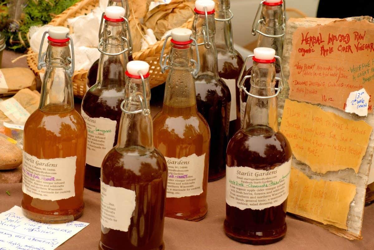 apple-cider-vinegar-3506650_1920-1200x801.jpg