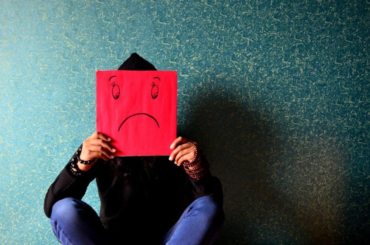 unhappy-389944_1920-1200x794.jpg