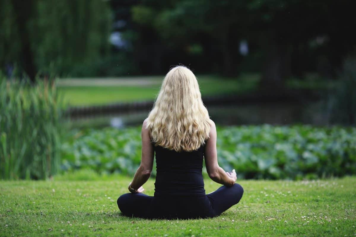 meditation-3480815_1920-1200x800.jpg